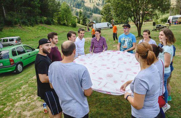 Rolul unui team-building în succesul unei companii